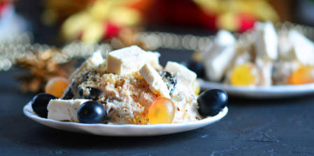 Turkey salad with grapes and nuts