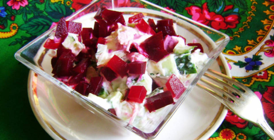 Cucumber Salad with Beetroot and Cheese